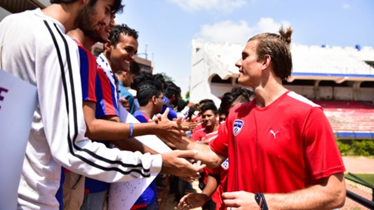 Erik Paartalu Meets Bengaluru FC supporters