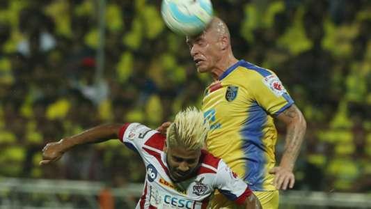 Iain Hume Prabir Das Kerala Blasters FC ATK ISL Season 4 2017/2018
