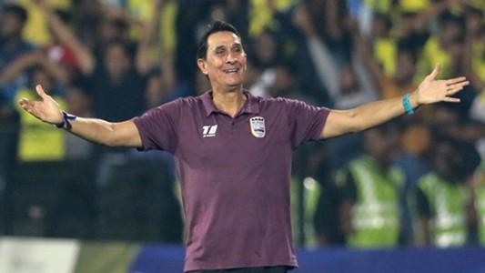 Alexandre Guimaraes Mumbai City FC Kerala Blasters FC ISL 4 2017/2018