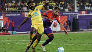 CK Vineeth FC Pune City Kerala Blasters FC ISL 4 2017/2018
