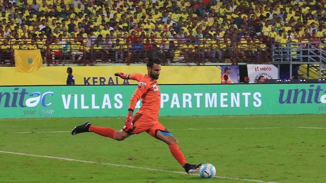 Amrinder Singh Kerala Blasters FC Mumbai FC ISL season 4 2017/2018