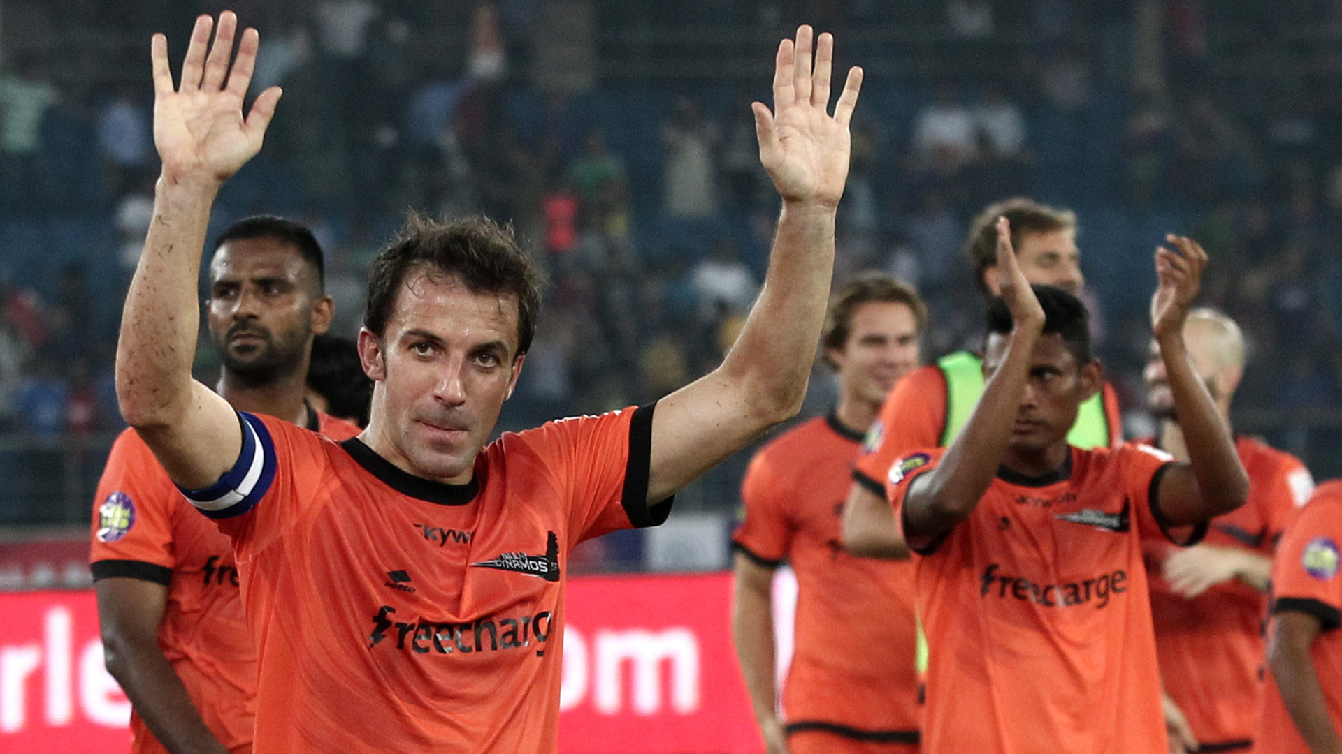Alessandro Del Piero of Delhi Dynamos FC with his team acknowledges fans during ISL match