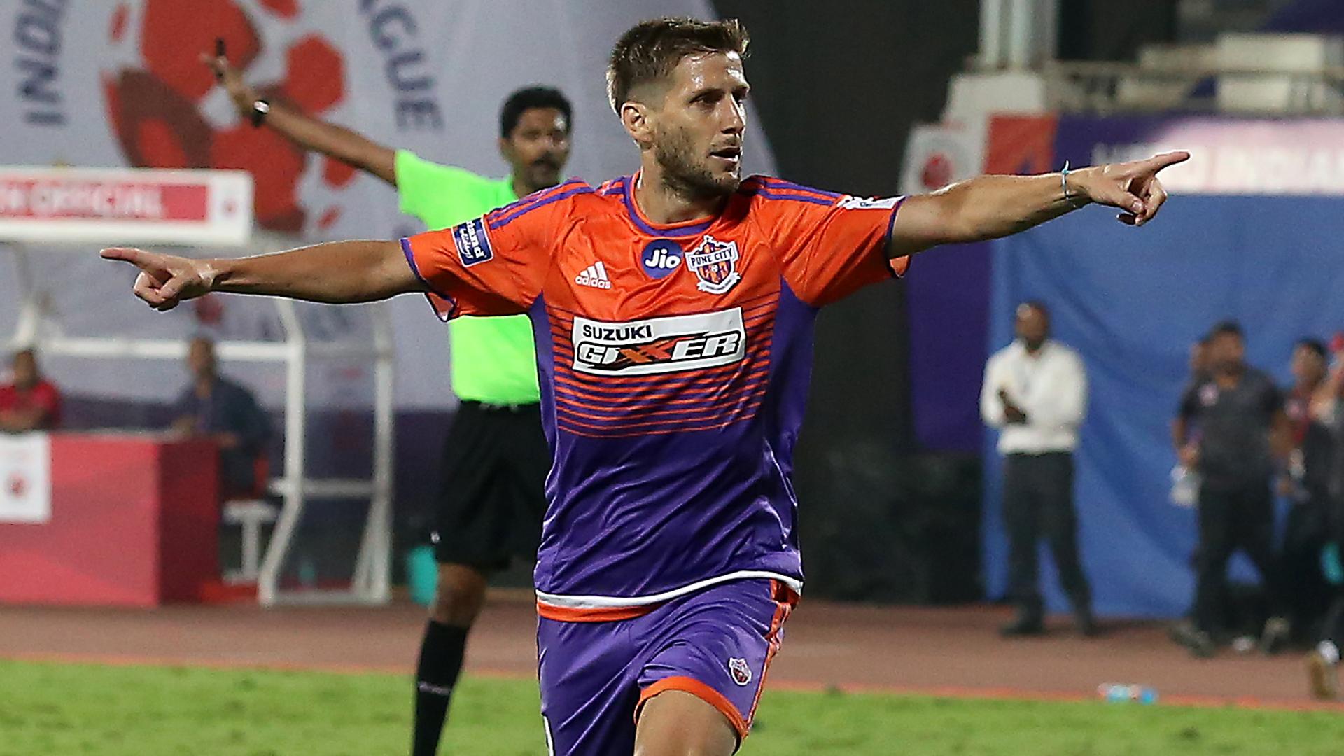Emiliano Alfaro FC Pune City Jamshedpur FC ISL 4 2017/2018