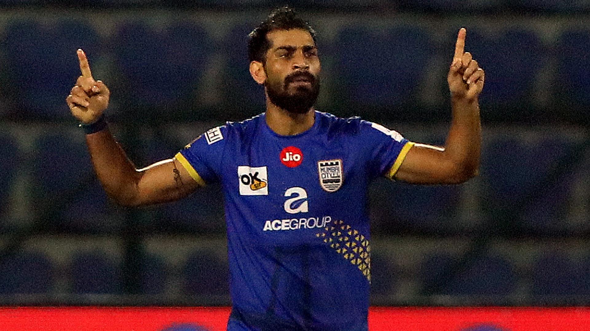 Balwant Singh NorthEast United FC Mumbai City FC ISL 4 2017/2018