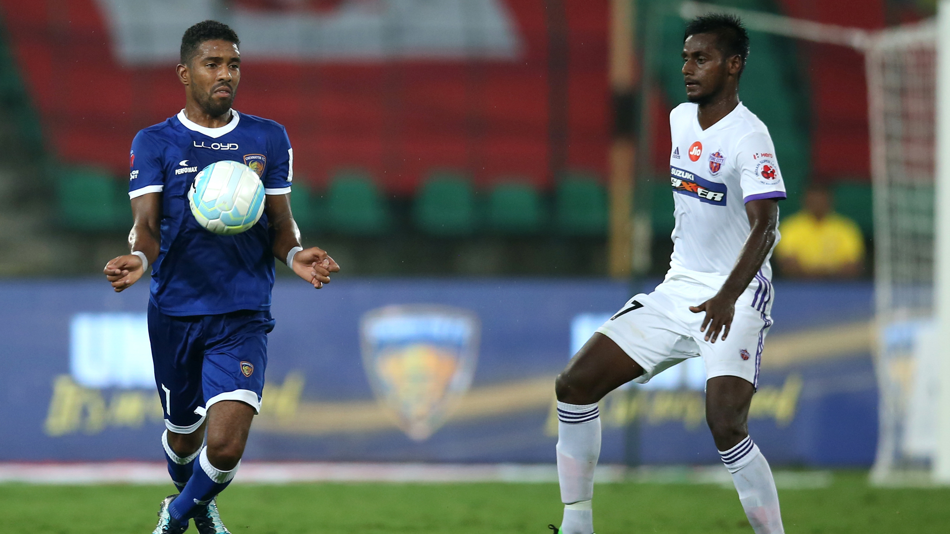 Gregory Nelson Rohit Kumar Chennaiyin FC FC Pune City ISL 4 2017/2018