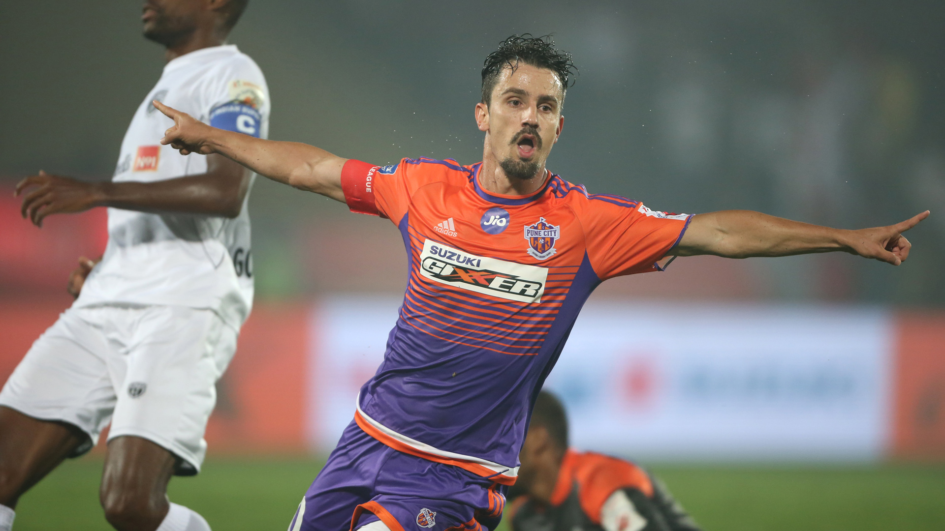 Marcelinho NorthEast United FC FC Pune City ISL 4 2017/2018