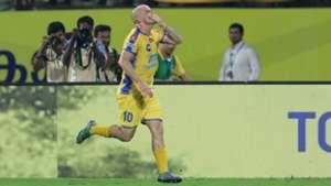 Iain Hume Kerala Blasters FC Delhi Dynamos FC ISL 4 2017/2018