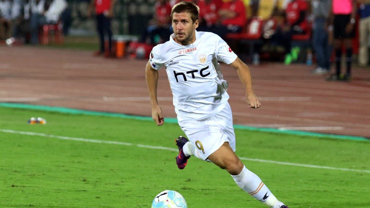 emiliano alfaro northeast united fc mumbai city fc isl season 3 2016 6xtfgc7y6lbc1ipa1uuxduywn - FC Pune City Eyeing Their First ISL Final While Roca Trying To 'Keep It Simple'
