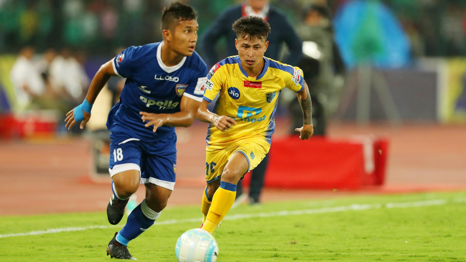 Jerry Lalrinzuala Jackichand Singh Chennaiyin FC Kerala Blasters FC ISL 4 2017/2018
