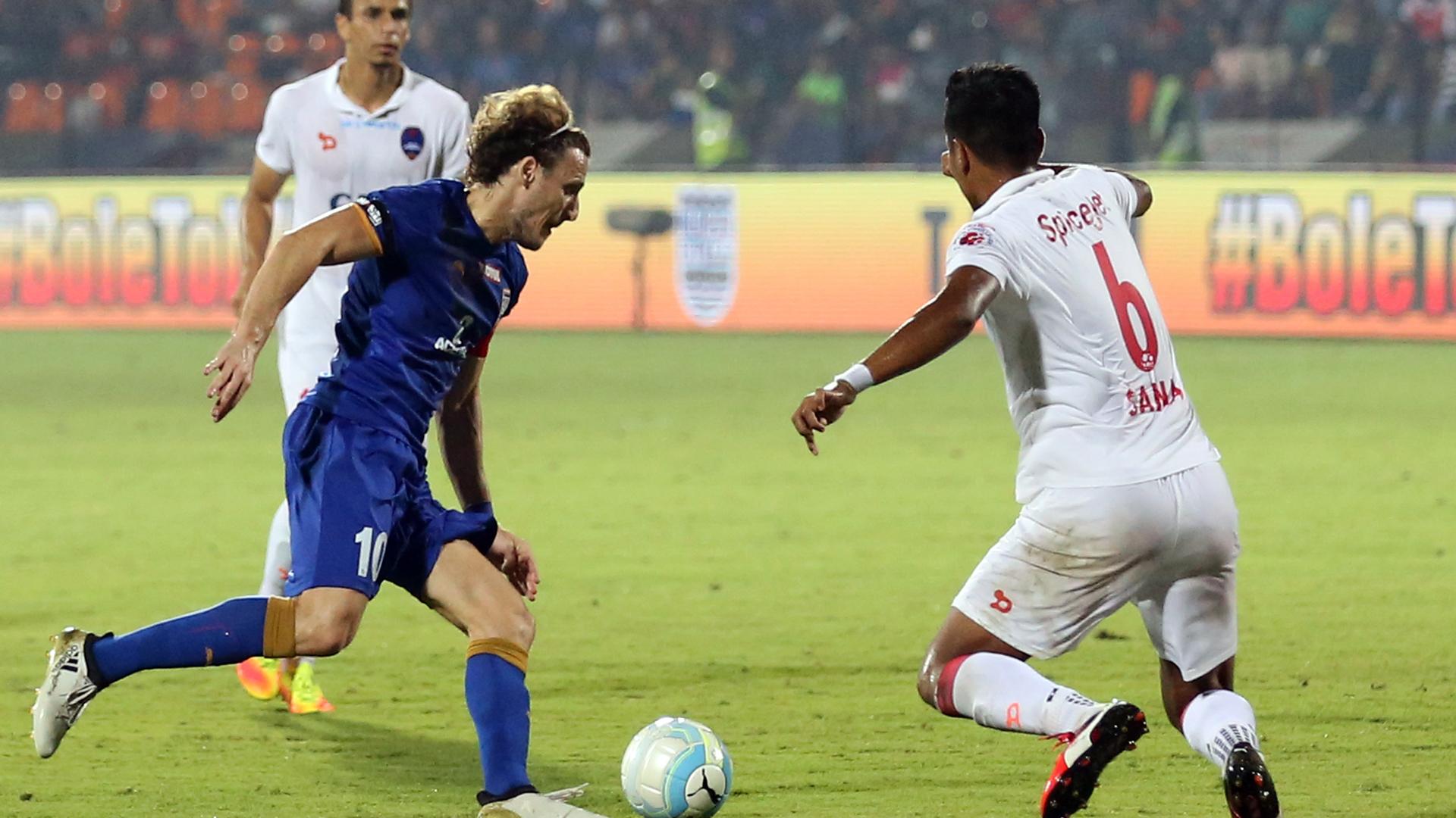 Diego Forlan Mumbai City FC Delhi Dynamos FC ISL season 3 2016