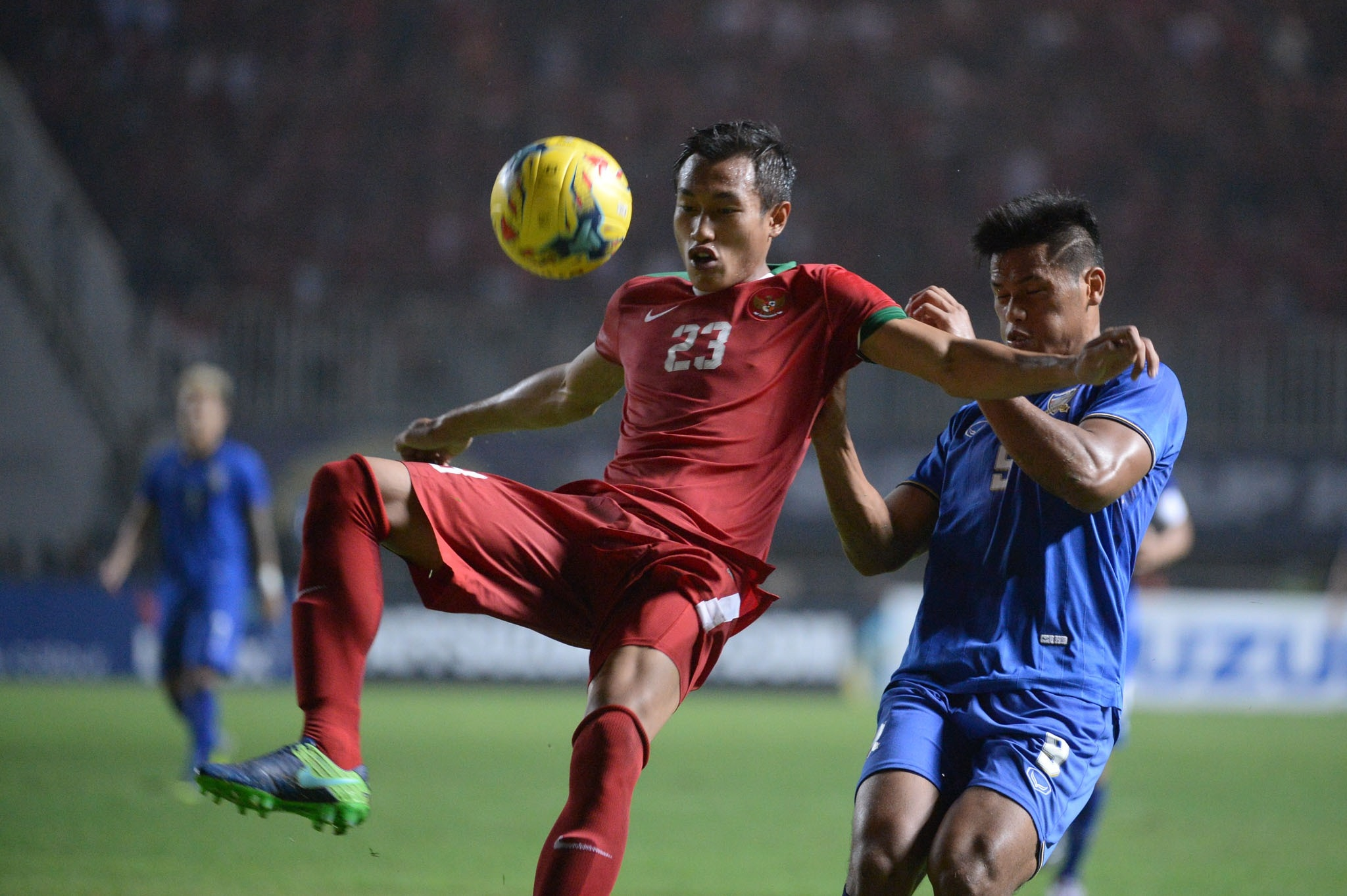 Hansamu Yama - Indonesia & Sirach Chanttong - Thailand AFF Suzuki Cup 2016