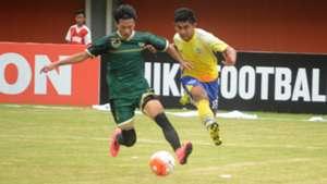 Waluyo vs Arsyad Yusgiantoro| PSS Sleman vs Persegres Gresik United | Piala Presiden 2017 | 15022017
