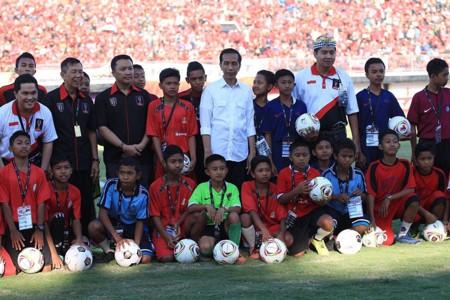 Joko Widodo - Piala Presiden 2015