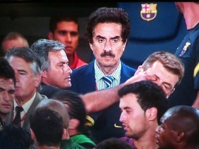 Nhân chứng vụ Mourinho 'móc mắt' HLV Barcelona lần đầu tiên lên tiếng   Goal.com