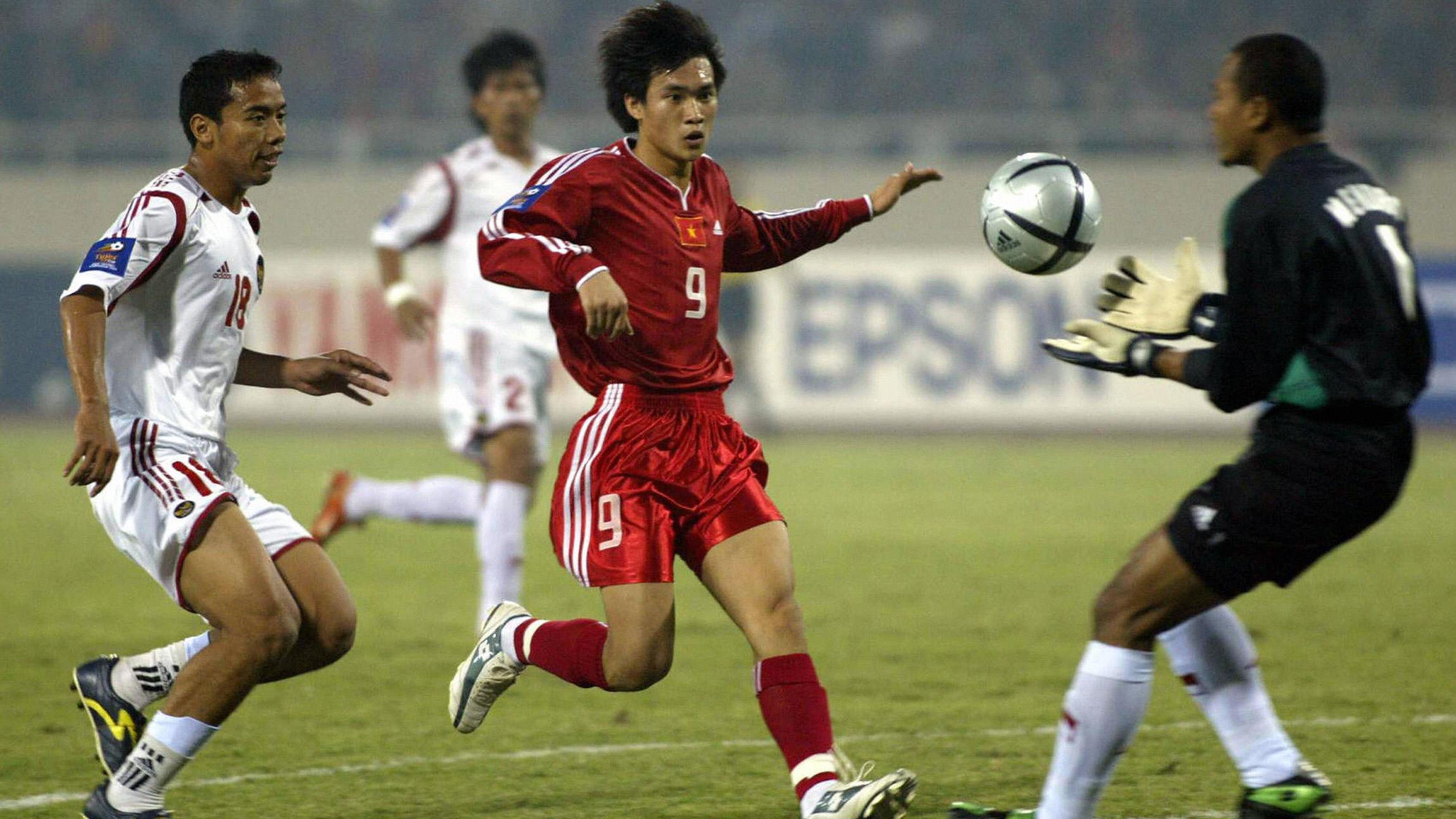 Le Cong Vinh - Vietnam & Hendro Kartiko - Indonesia Tiger Cup 2004