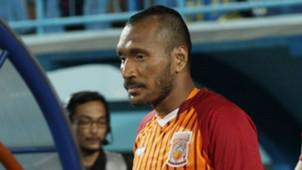 Leonard Tupamahu - Pusamania Borneo FC