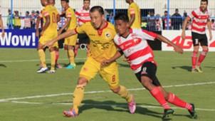 Yo Hyun Ko & Bayu Gatra - Madura United vs. Sriwijaya FC Pekan Ke-20