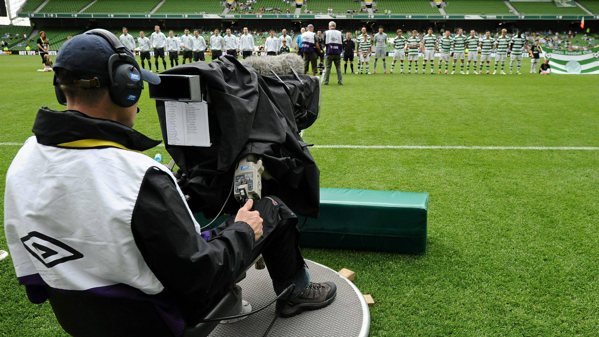 Diritti tv Champions: Un mese per presentare offerte nuovo triennio