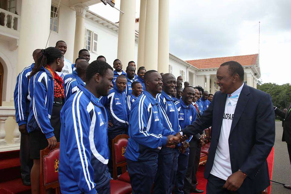 Sofapaka players with President Uhuru Kenyatta at State House on Thursday