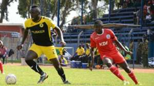 Ulinzi Stars striker Mark Bikokwa vying for the ball