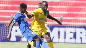 Ronald Okoth of Mathare challenge David Kingatua of Bandari