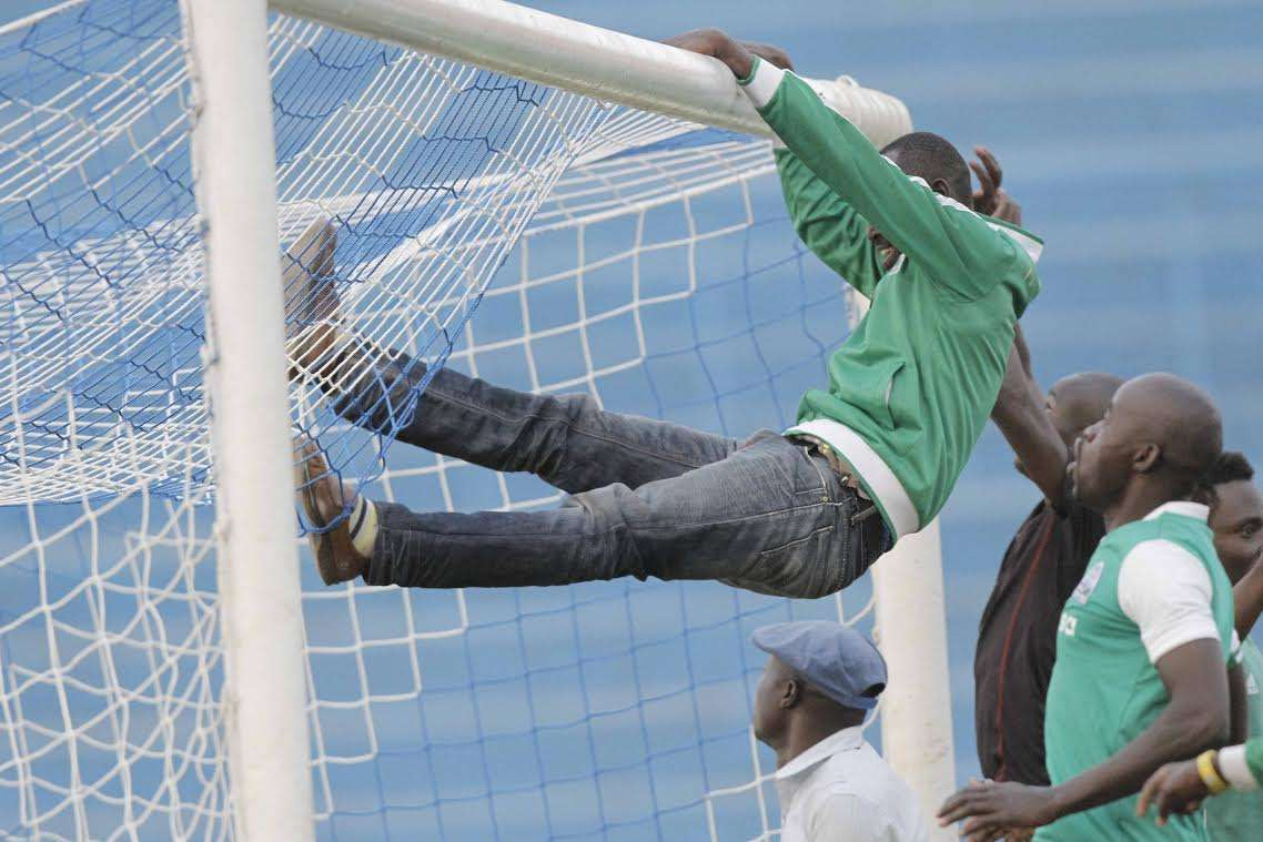 Gor Mahia snatched a late win against City Stars, John Makwatta scored a hat-trick as Ulinzi Stars thrived while leaders Tusker were surprisingly held by Sofapaka