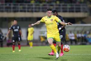 Kedah's Thiago Augusto Fernandes against Sarawak in Malaysia Cup 2016