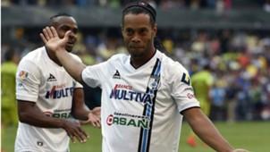 Ronaldinho 8 Figura J14 190415
