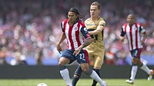 Carlos Gullit Peña Pumas Chivas Abraham González