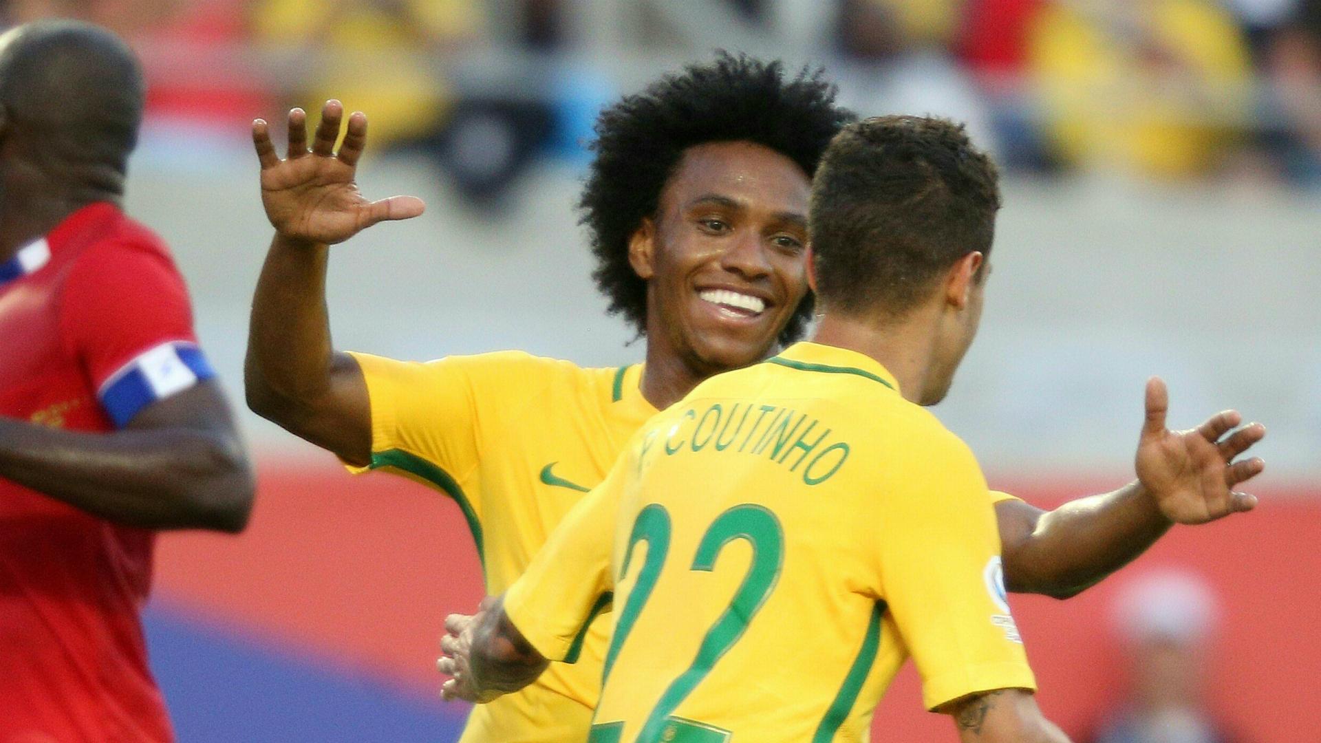 Willian Philippe Coutinho Brazil Haiti Copa Ameria 06092016