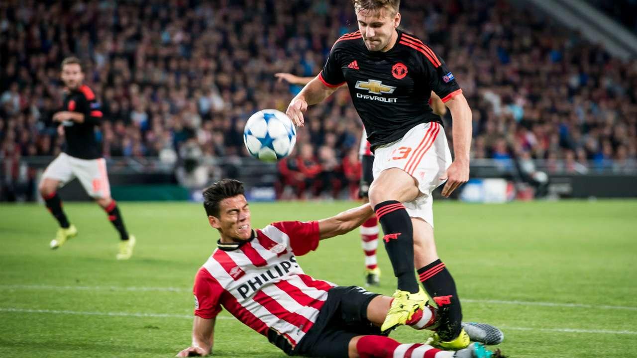 Hector Moreno Luke Shaw PSV Manchester United Champions League 09152015