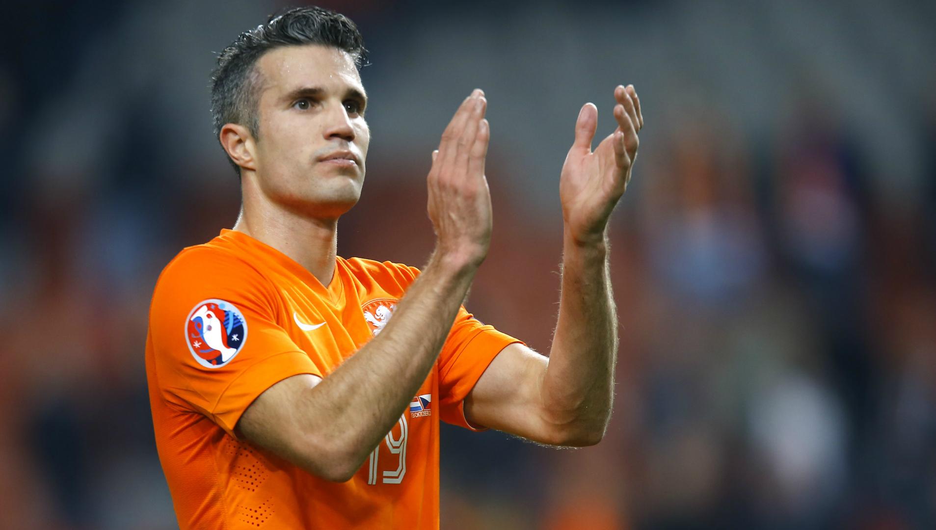 Van Persie returns home to Feyenoord