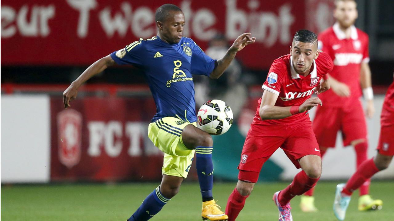 Thulani Serero Hakim Ziyech FC Twente Ajax Eredivisie 10182014