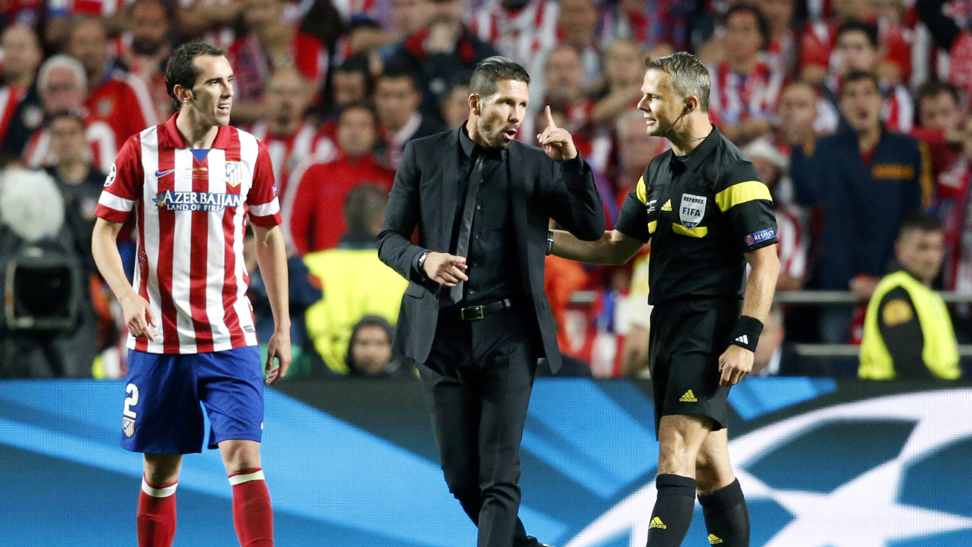 Diego Godín Diego Simeone Björn Kuipers Atletico Madrid Real Madrid Champions League 2014