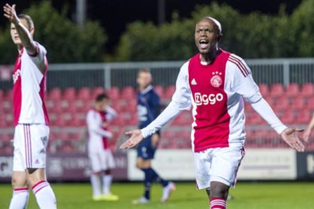 Thulani Serero, Ajax, 2015/16