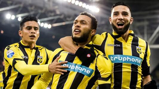 Lewis Baker, Tighadouini, Foor, Vitesse vs. PEC Zwolle, 12032016