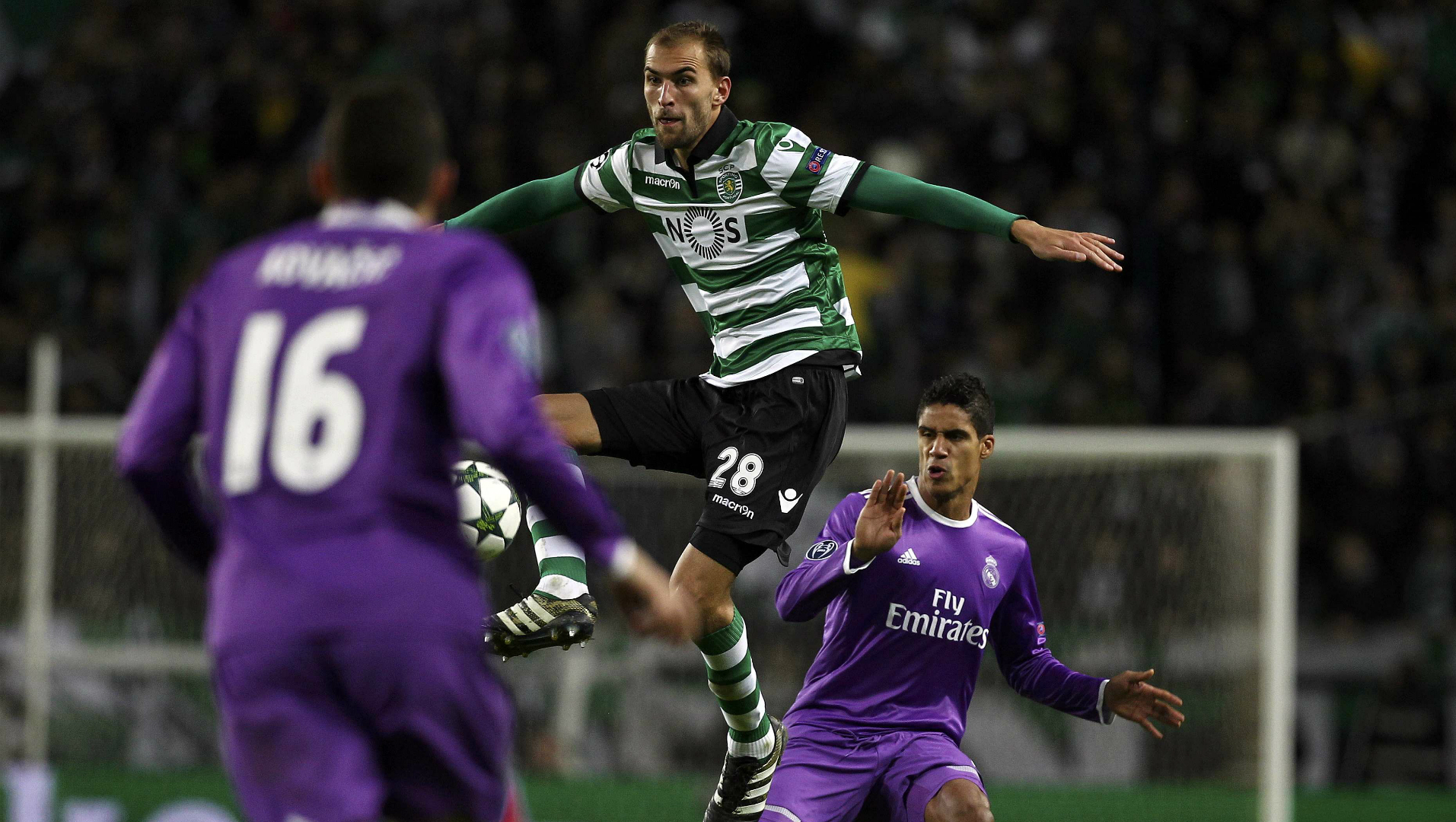 Bas Dost, Raphael Varane, Sporting Portugal - Real Madrid, Champions League, 11222016
