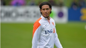 Virgil van Dijk Netherlands training 10092014 Celtic