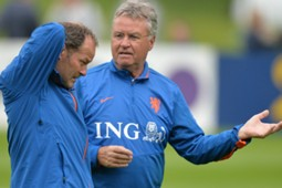 Hiddink Holland EC Qualification