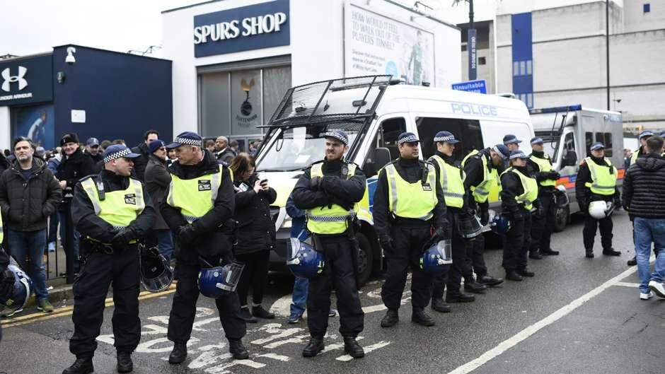 Riots Tottenham - Arsenal Premier League