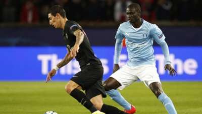 Angel Di Maria of PSG and Enoch Kofi Adu of Malmo