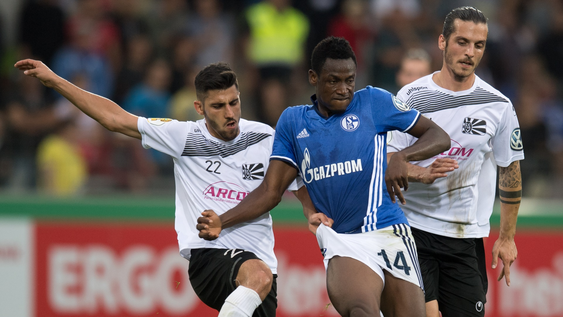 Abdul Rahman Baba of Schalke and Gianluca Serpa of Villingen