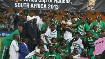 Nigeria lift Afcon 2013 trophy
