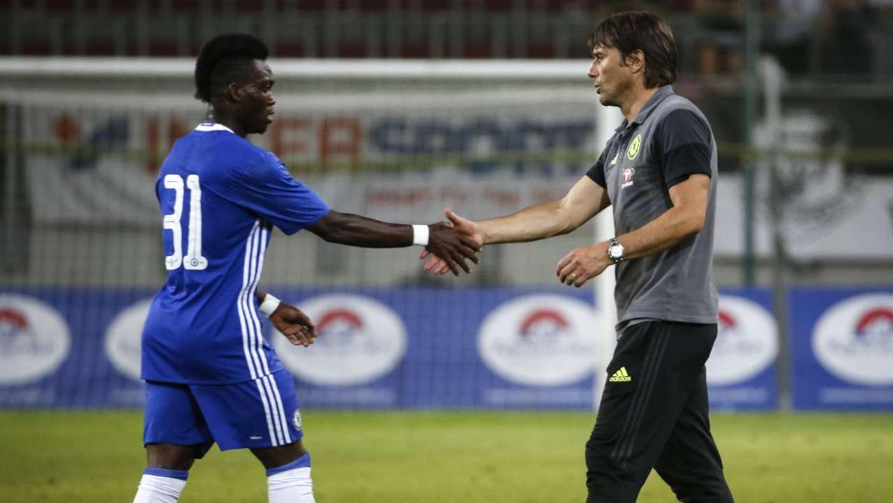 Christian Atsu and Antonio Conte of Chelsea