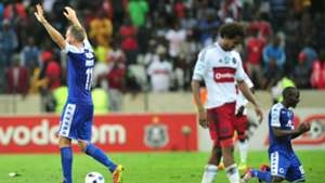 Jeremy Brockie and Aubrey Modiba of SuperSport United v Issa Sarr of Orlando Pirates