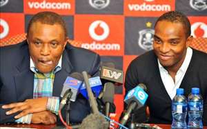 Benni McCarthy with Orlando Pirates boss Irvin Khoza