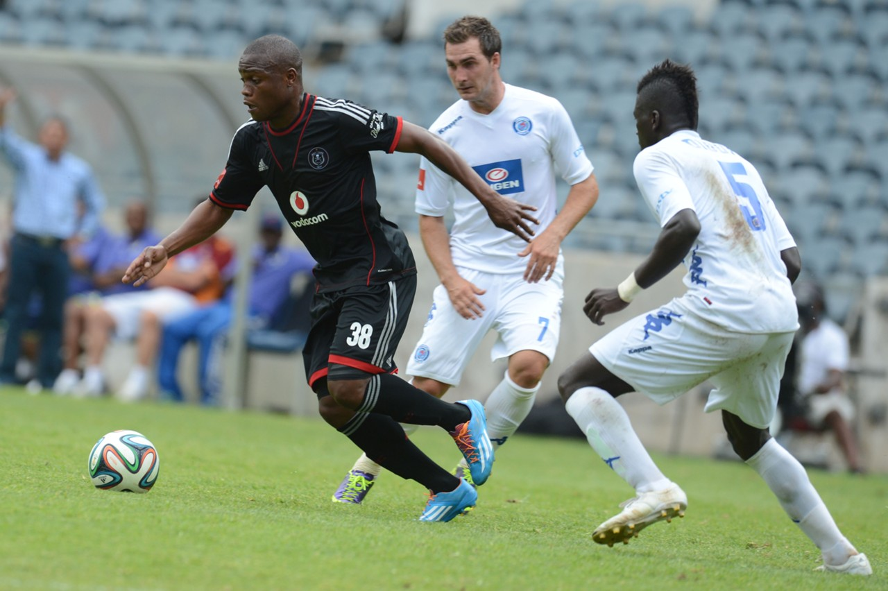 Helder Pelembe and Mor Diouf - Orlando Pirates v SuperSport