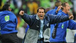 Roger de Sa wins the Nedbank Cup for Wits