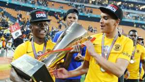Emmanuel Letlotlo and Ryan Moon of Kaizer Chiefs.