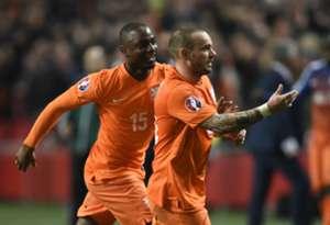 Netherlands v Turkey - EURO 2016 Qualifier